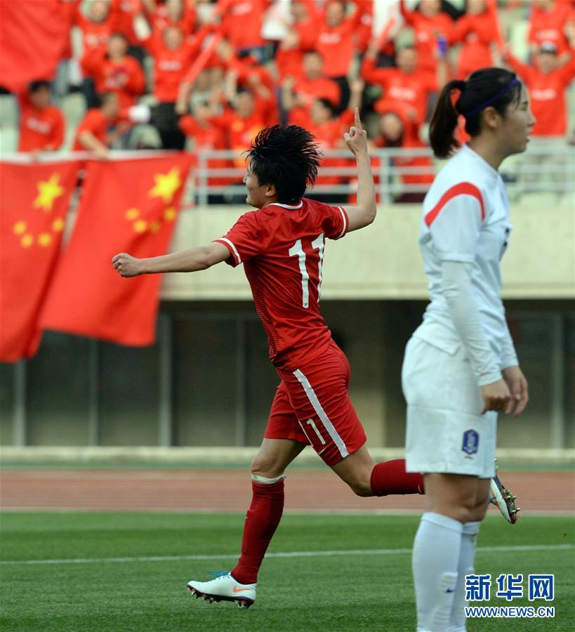 (體育)(6)足球——女足奧預賽:中國勝韓國