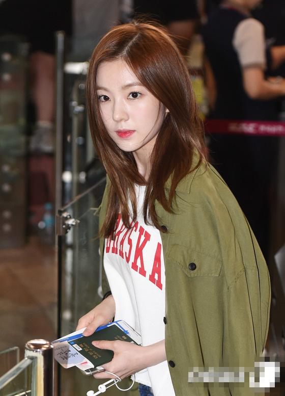少女時代Red Velvet飛日本參加演唱會 同門師姐妹機場爭奇鬥艷【組圖】