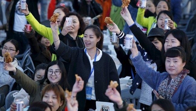 我遊客在韓參加炸雞派對