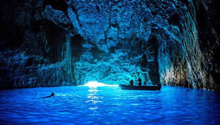 探秘各國水下洞穴美景