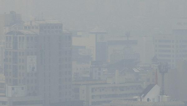韓國多地出現重霧霾天氣 灰蒙一片能見度極低