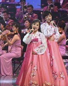 朝鮮藝術團在韓國舉行首場演出