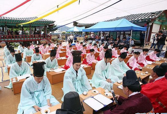 韓國舉行傳統成年禮儀式 男生穿傳統服飾加冠