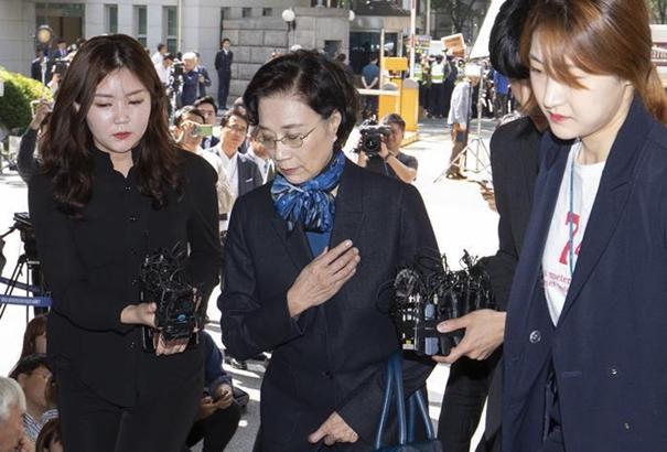 大韓航空會長夫人李明姬接受調查