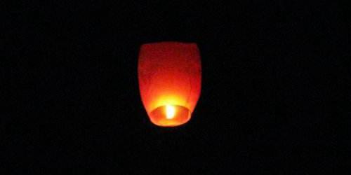 韓國一儲油站爆炸 一盞孔明燈燒掉43億韓元