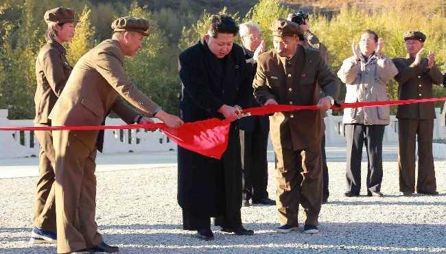 金正恩出席白頭山英雄青年發電站竣工儀式
