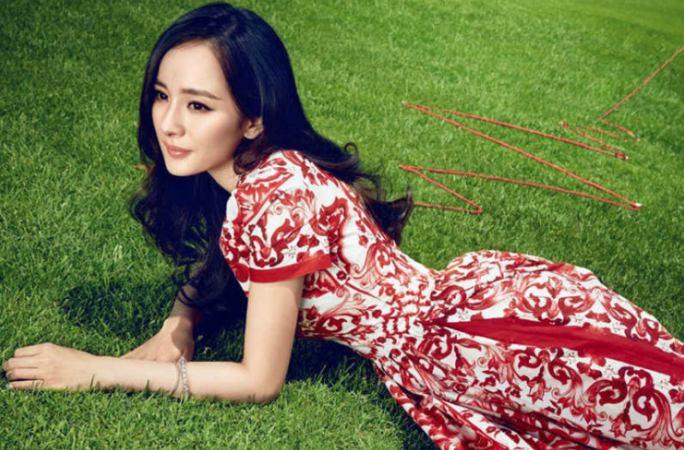 양미의 지성미 넘치는 화보 공개, 붉은 드레스 '눈길'