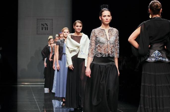 벤츠 패션일 행사 상트페테르부르크에서 열려