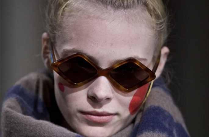 밀라노 패션위크: 가을 겨울을 따뜻하게