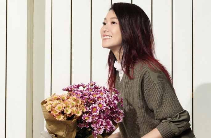 류뤄잉(劉若英) 봄철 사진: 부드럼과 지성미에 넘쳐