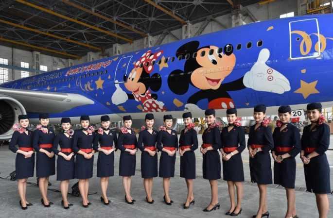 상하이 디즈니 리조트 테마 도색 비행기 선보여