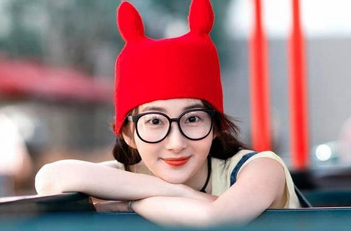 빨간 모자 쓰고 동심 찾아 떠난 청위안위안, 너무 귀여워