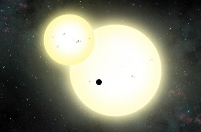 천문학자, 두개의 태양 공전하는 행성 발견