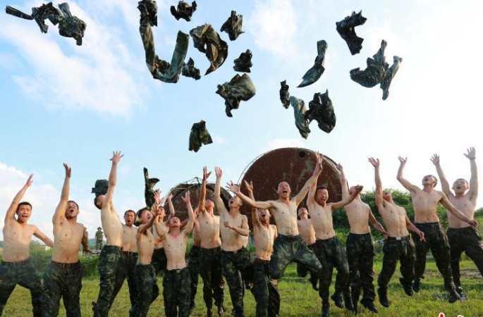 구이저우 무장경찰 특전대 극한 훈련
