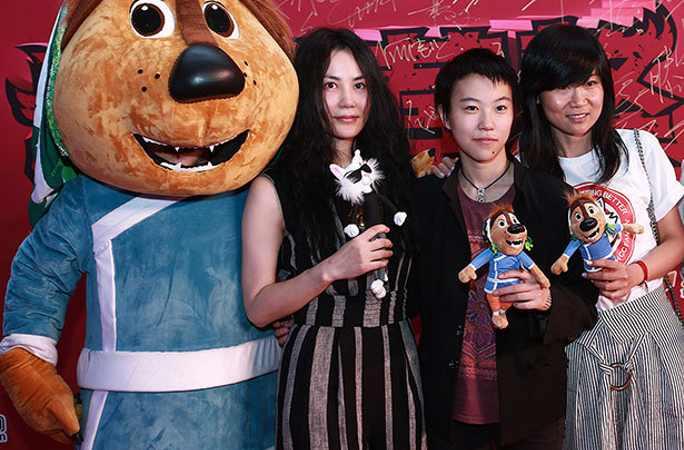 '로큰롤 짱아오' 개봉, 스타들 적극 지지...왕페이와 딸 더우징퉁 공동 참석