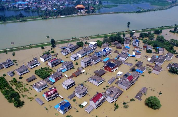 [신화망 드론 촬영] 안후이 둥즈현 폭우로 마을이 물바다로 되다