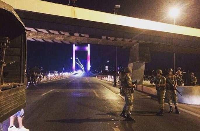 터키 총리, 일부 군관 군사정변 도모
