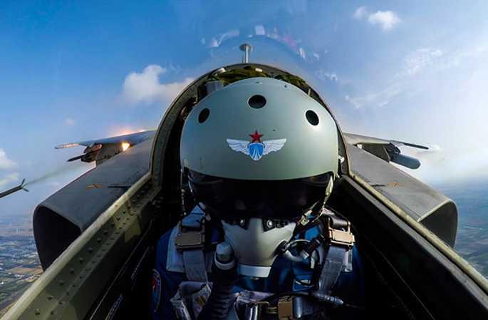 [포토] 中 해방군 전투기 '페이바오(飛豹)' 하늘을 날으다