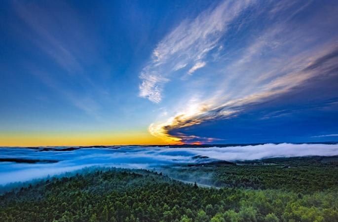 헤이룽장 자거다치 둥산에서의 아침, 구름 속 신비의 세계
