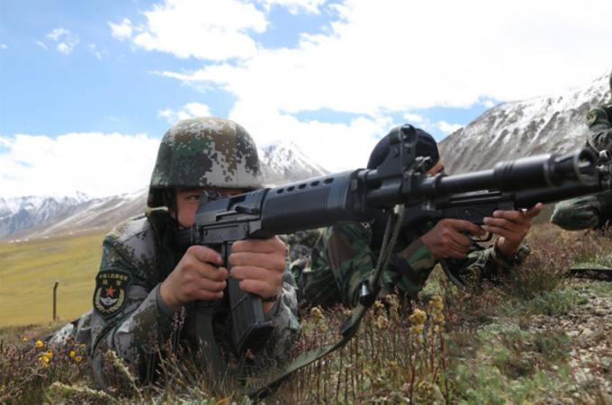 중국-파키스탄 변경수비군, 국경선서 합동순찰 진행