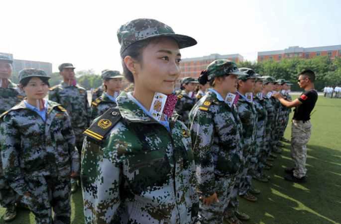 청두 항공 대학 미녀 교사들, '악마 훈련' 돌입