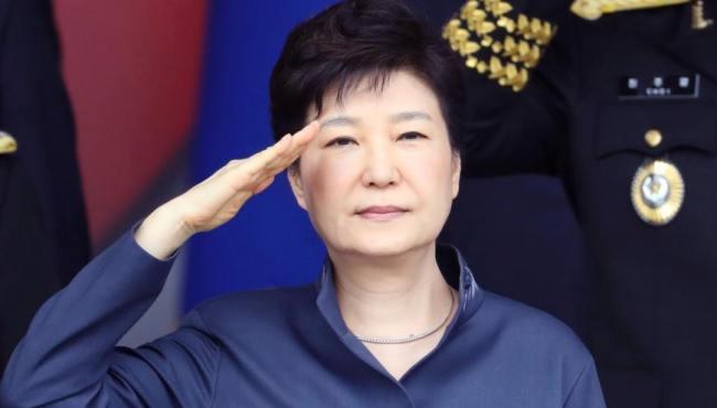 韓國舉行閱兵式紀念建軍節 樸槿惠檢閱部隊