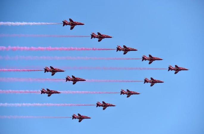 英 공군 레드 애로우스 곡예비행단 주하이에 도착