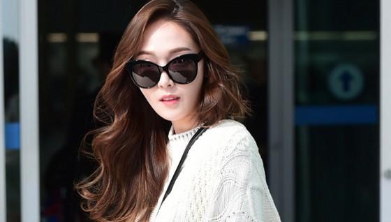 Jessica鄭秀妍機場時尚穿搭