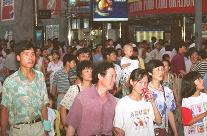 중국인들의 쇼핑 역사: 식량 교환권에서 온라인 쇼핑까지