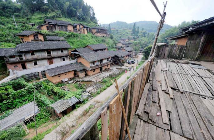中 이색 마을 탐방… 천년 동안 모기가 없는 마을, 왜일까?
