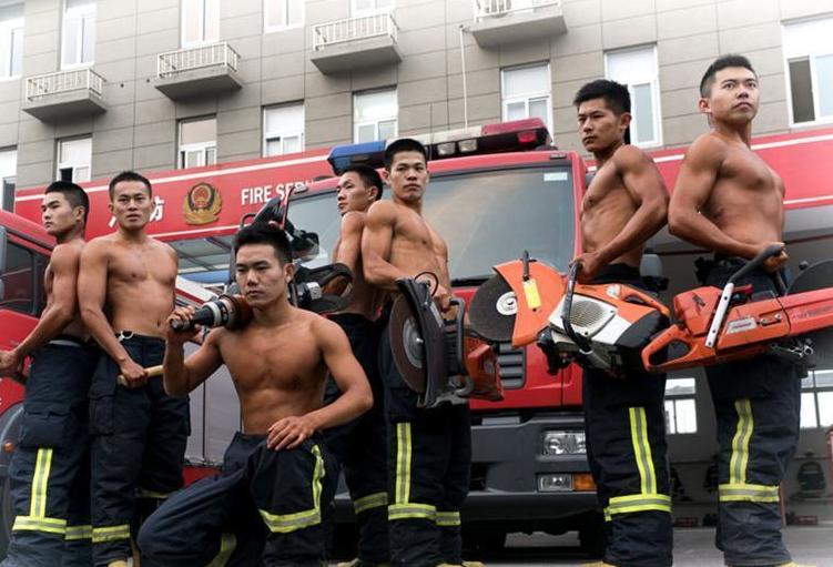 닝보 소방관, '섹시한 사진'으로 노병의 마지막 무장경찰부대 시간 기록