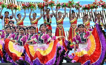윈난 누장 리수족 동포들 '쿼스' 축제 펼쳐