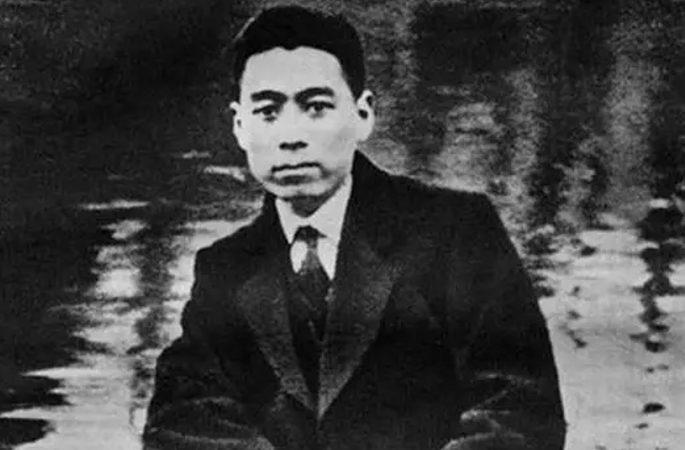 영원한 그리움, 저우언라이 총리 일생의 50개 잊지 못할 순간