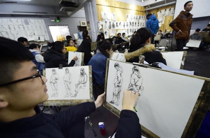 항저우 예술대학시험생 춘제기간 시험 준비에 바빠