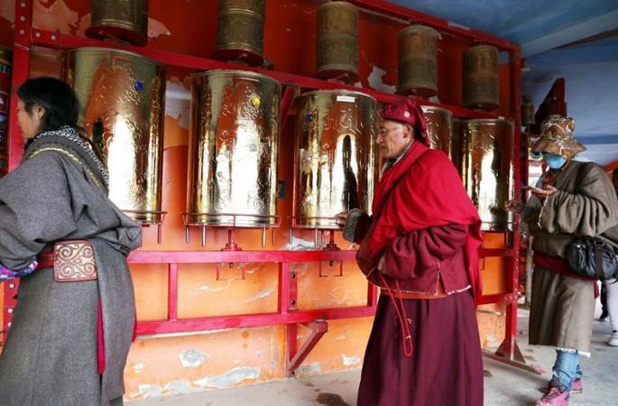 세계 최대의 불교학원… 쓰촨 신비로운 '써다 불교학원' 탐방