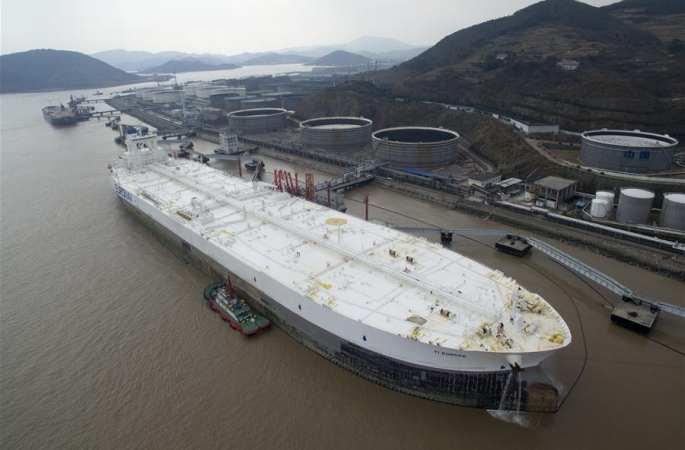 아시아서 가장 큰 中 닝보 저우산 항구, 세계 최대 선박 정박