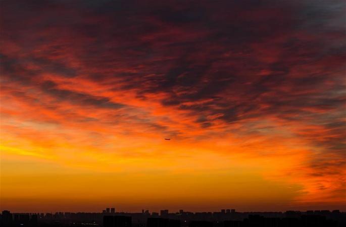 불같이 타오르는 베이징의 아침노을