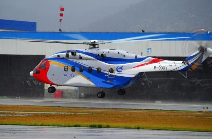 중국, 첫 국산 AC313 대형 헬기 호우 속 시험비행 성공