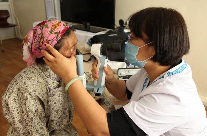 中 네이멍구 국제몽의병원 의료팀, 몽골에 가 자선 치료