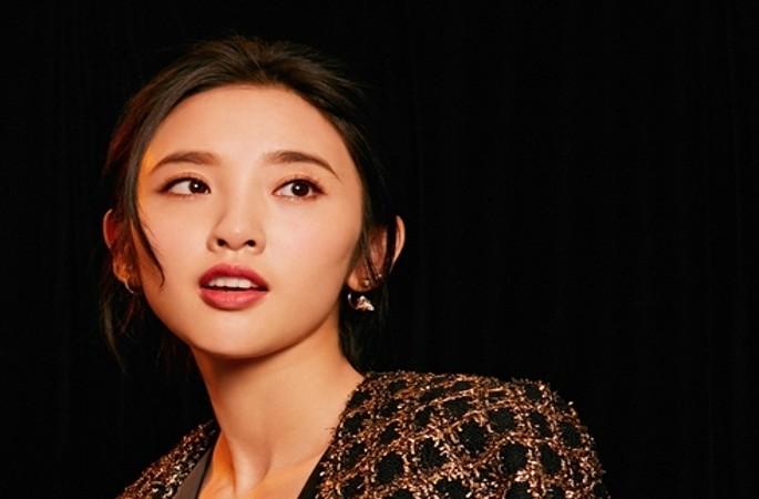 탕이신 패션 화보, 러블리함 벗고 그녀만의 반전 매력 공개