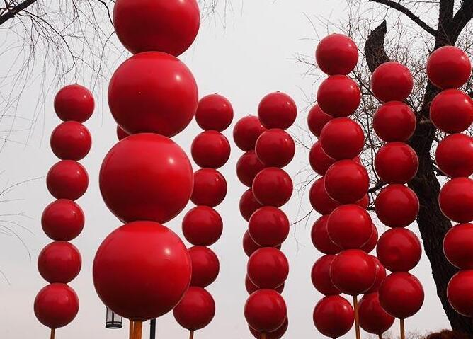 지린에 2.5m 거대 '탕후루' 등장…포토 소품으로 인기 폭발